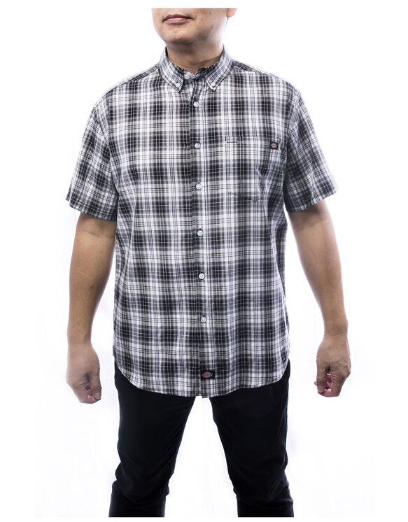 Weekend Men's Short Sleeve Plaid Shirt - Charcoal Gray (CH)